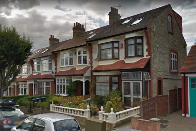 Thumbnail Studio to rent in Broomfield Avenue, Palmers Green London