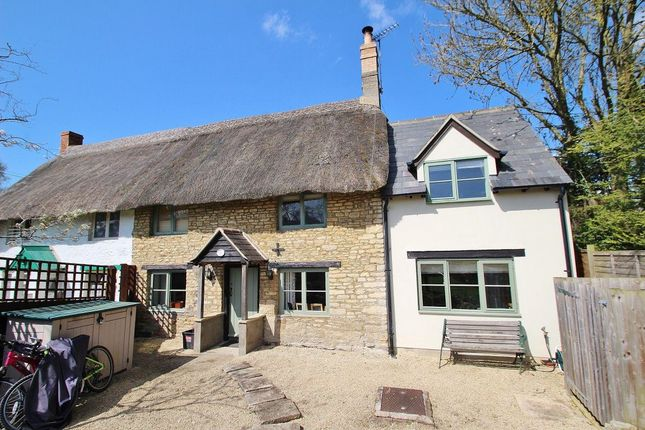 Thumbnail Cottage to rent in Rack End, Standlake, Witney