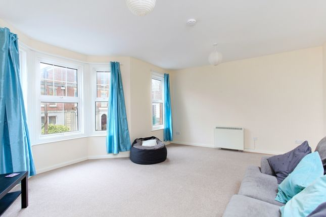 Thumbnail Flat to rent in Wyndham Road, Salisbury