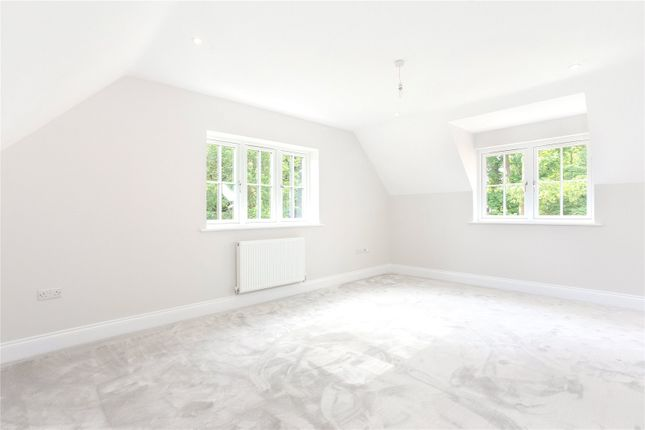 Picture No. 16 of Wick Hill, Finchampstead, Wokingham, Berkshire RG40