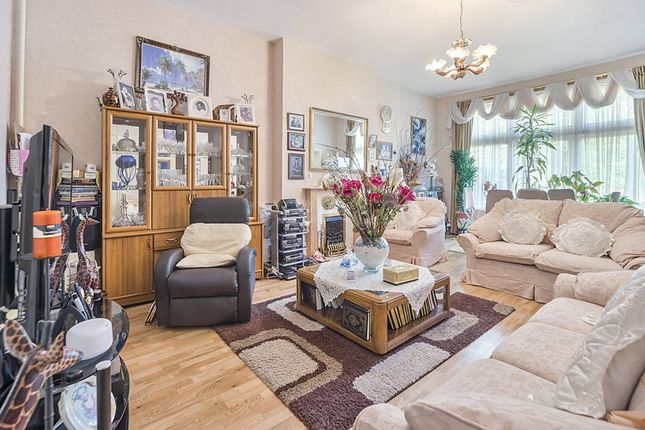 Thumbnail Flat for sale in Chatsworth Road, Mapesbury