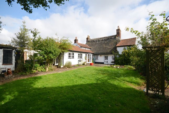 3 bed detached house for sale in West Wickham Road, Balsham, Cambridge