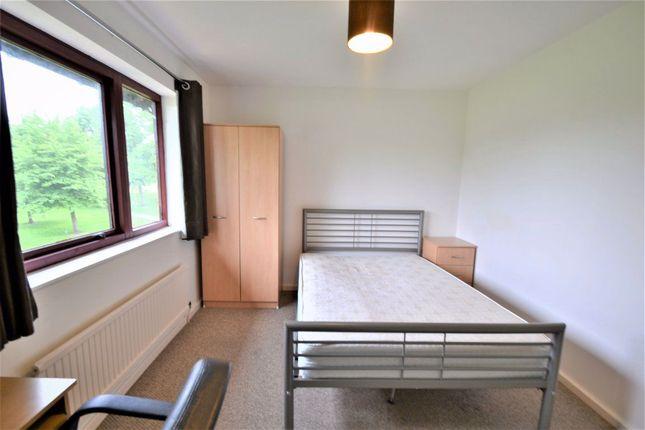 Thumbnail Room to rent in Strathcarron Court, Cambridge