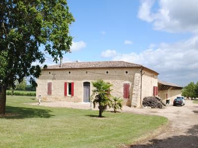 Thumbnail Commercial property for sale in Doulezon, France