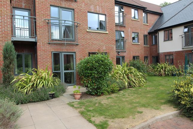 Thumbnail Flat for sale in Dairy Grove, Ellesmere