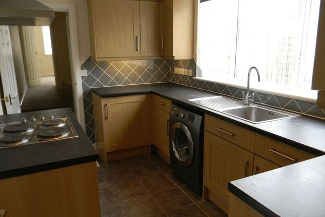 Thumbnail Flat to rent in Netley Cliff, Victoria Road, Netley Abbey, Southampton