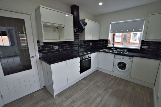 2 bed flat to rent in Seafield Road, Blyth NE24