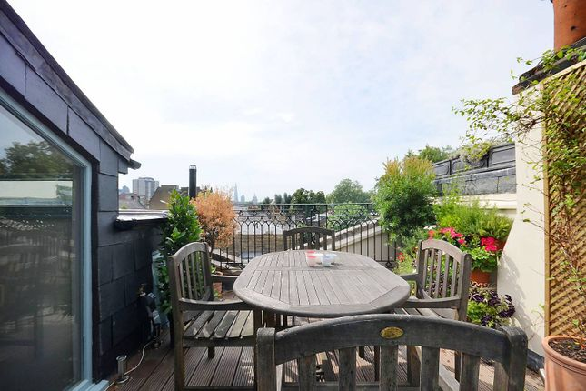 Maisonette to rent in Great Percy Street, Clerkenwell