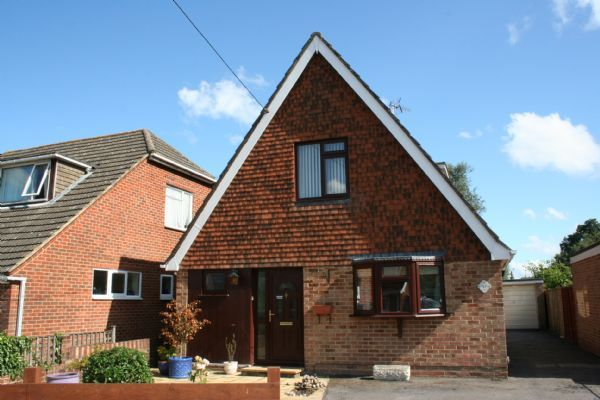Thumbnail Detached house to rent in Firgrove Road, North Baddesley, Southampton