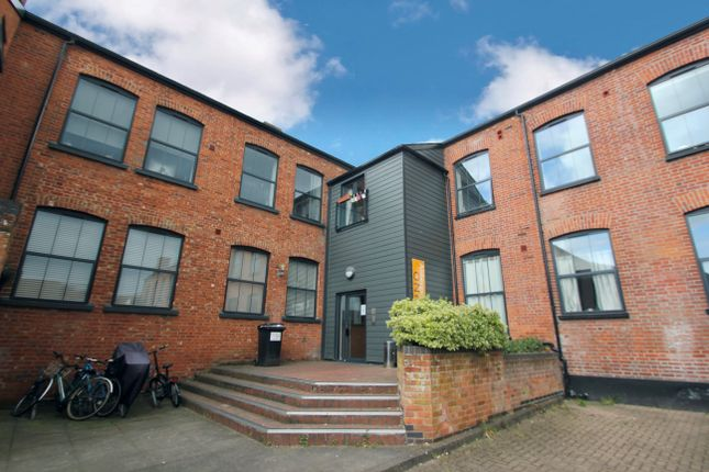 Thumbnail Flat to rent in Whitewell Road, Colchester