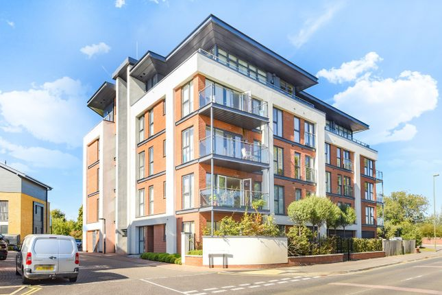 Thumbnail Flat for sale in Sycamore Avenue, Woking