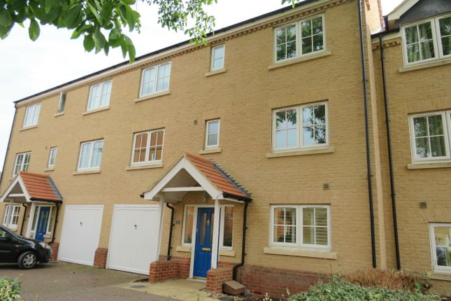 Thumbnail Property to rent in Walnut Mews, Peterborough