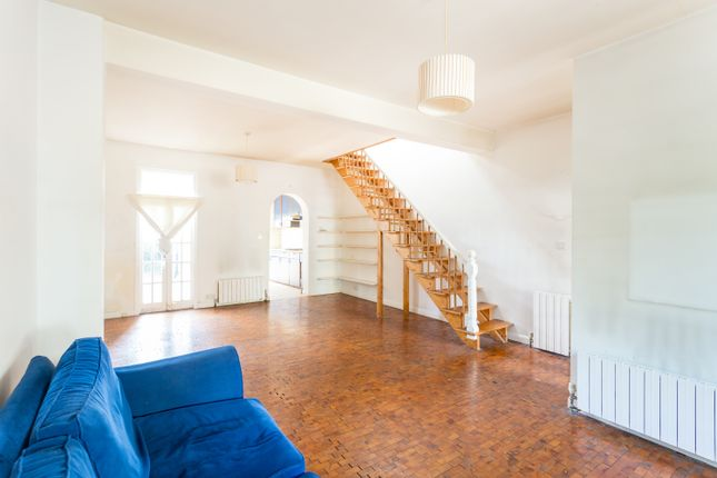 2 bed terraced house for sale in Mount Pleasant Crescent, London