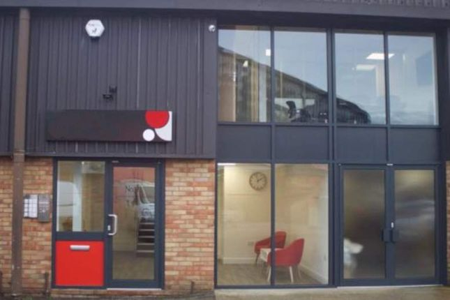 Office to let in Riverside Park Industrial Estate, Dogflud Way, Farnham