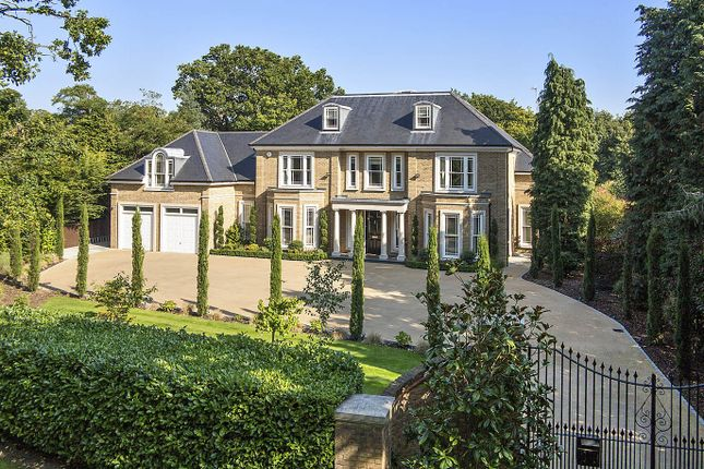Thumbnail Detached house for sale in Eriswell Road, Burwood Park, Walton On Thames