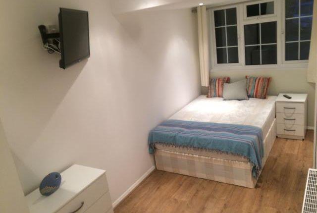 Thumbnail End terrace house to rent in Bathurst Road, Winnersh