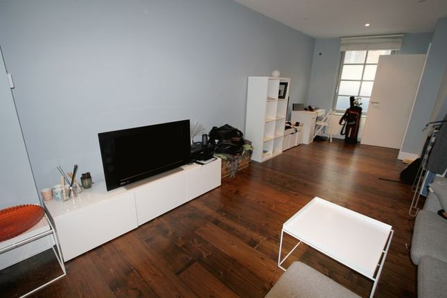 Thumbnail Semi-detached house to rent in Sidney Grove, London