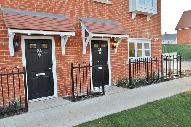 Thumbnail End terrace house to rent in Houghton Avenue, Waterlooville