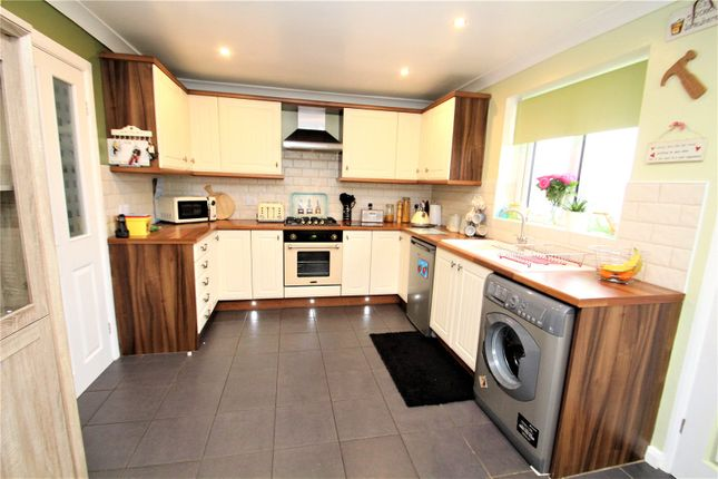 Thumbnail Detached bungalow for sale in Bexhill Close, Pontefract