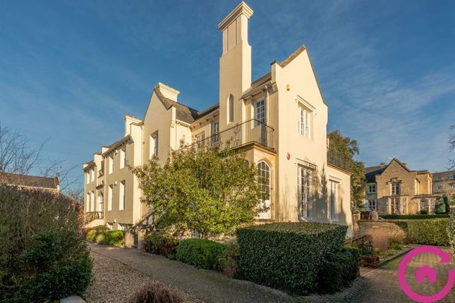 Thumbnail Flat for sale in Malvern Place, Cheltenham