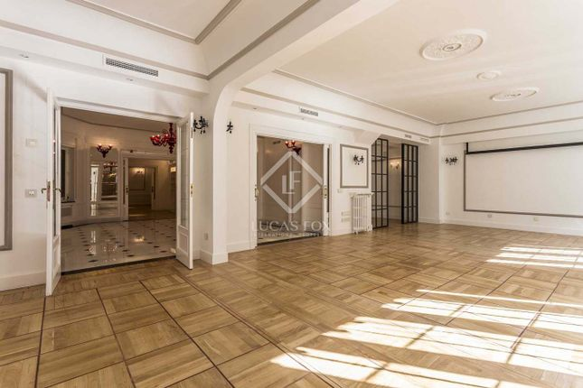 Thumbnail Apartment for sale in Spain, Madrid, Madrid City, Salamanca, Recoletos, Mad7785