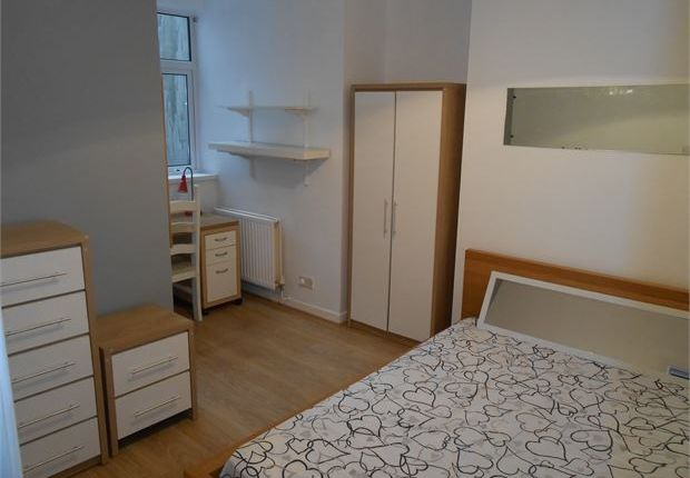 Thumbnail Shared accommodation to rent in Rhondda Street, Mount Pleasant, Swansea