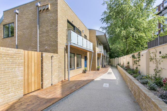 Thumbnail Property for sale in Crayford Road, London