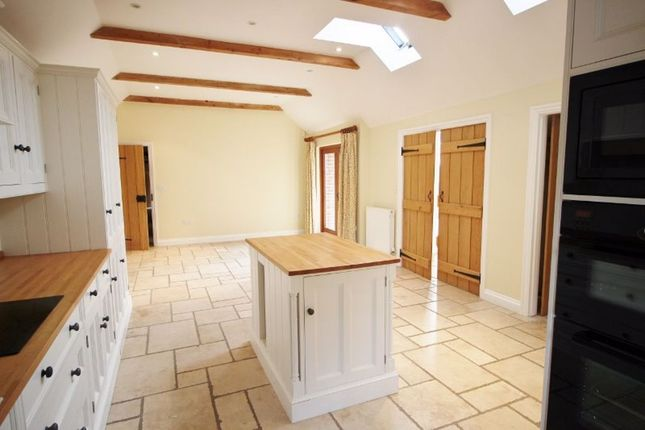Thumbnail Detached house to rent in Old Soar Road, Plaxtol, Sevenoaks
