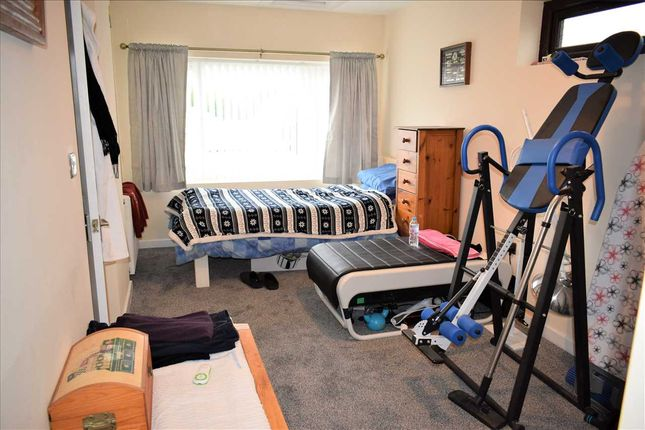 Ground Floor Bedroom / Further Reception Room :