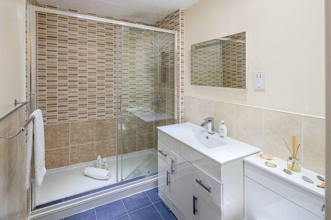 Shower Room of 146 Westferry Road, London E14
