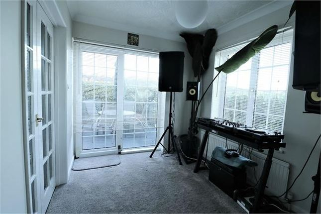 Sun Lounge of Mellwood Grove, Hemingfield, Barnsley S73