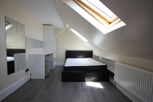 Thumbnail Room to rent in Westbrook Road, Heston