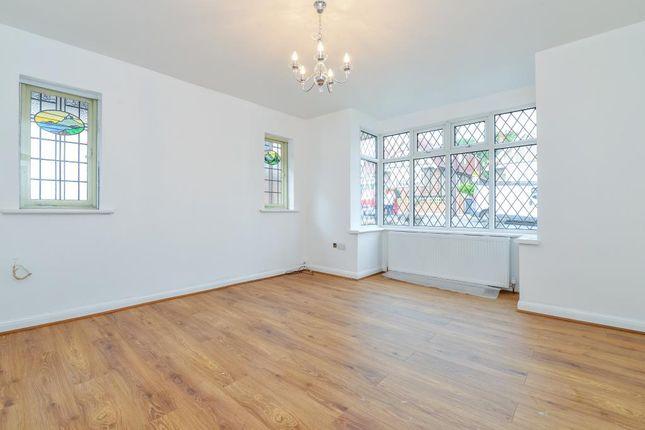 Thumbnail Bungalow to rent in Milton Avenue, Barnet