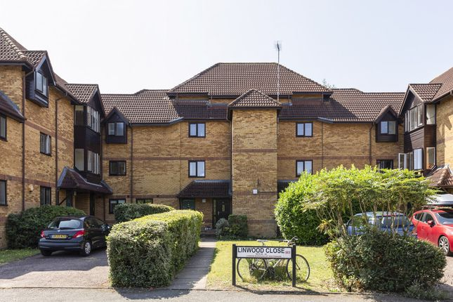 Thumbnail Flat for sale in Linwood Close, Camberwell