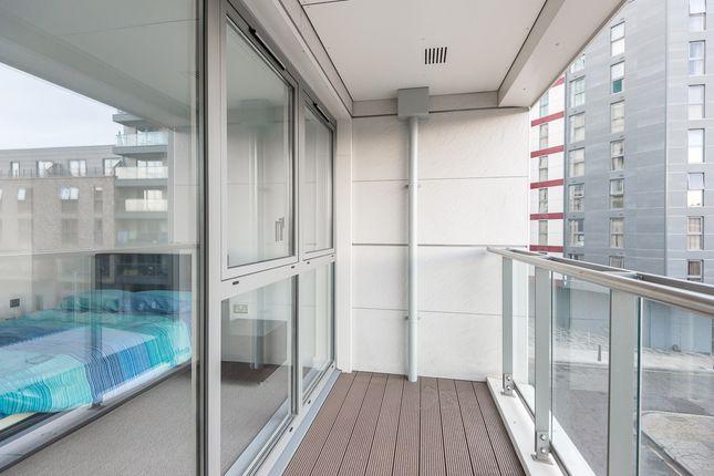 Private Balcony of Avantgarde Place, Shoreditch E1