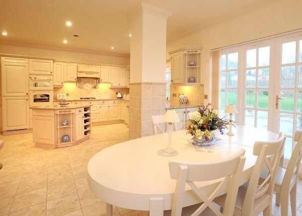 Mably House Kitchen1
