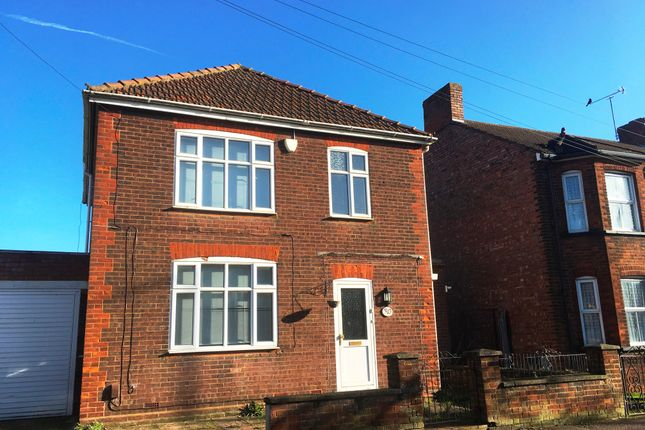 Thumbnail Detached house to rent in High Street North, Dunstable