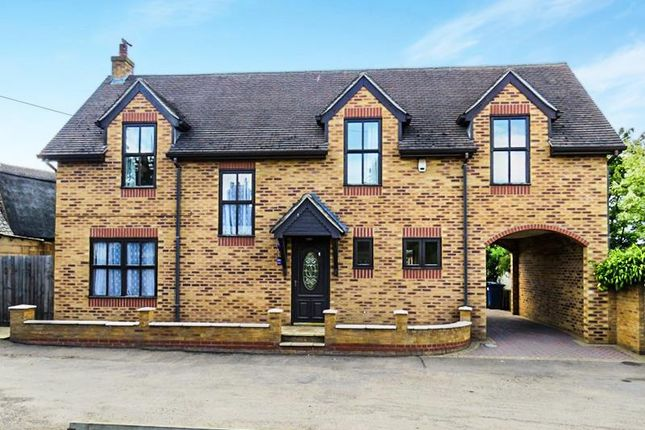 Thumbnail Detached house to rent in The Fen, Fenstanton, Huntingdon