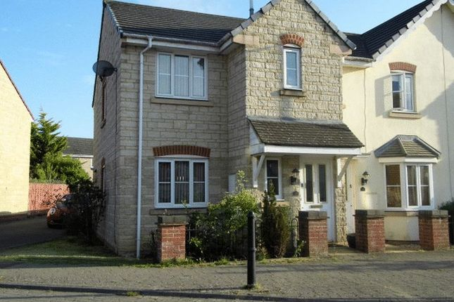 Thumbnail Property to rent in Honeysuckle Close, Calne
