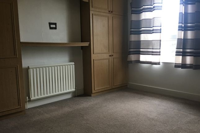Thumbnail Flat to rent in Pembroke Road, Seven Kings