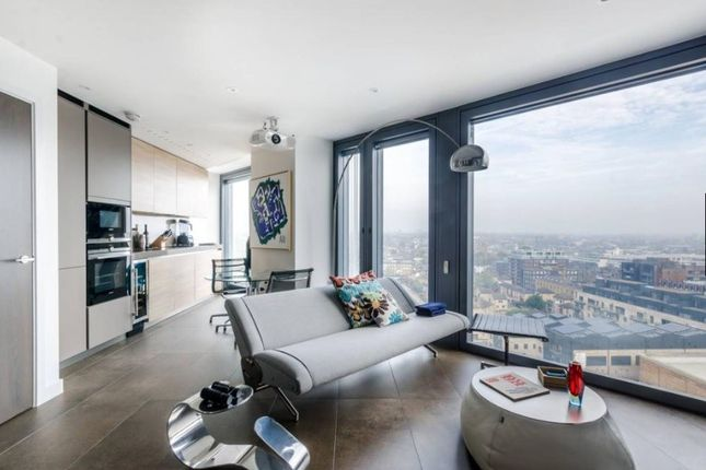 Thumbnail Flat to rent in Chronicle Tower, Lexicon, 261B City Road, London