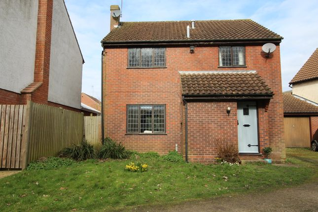 4 bed detached house for sale in Curlew Close, Kelvedon, Colchester