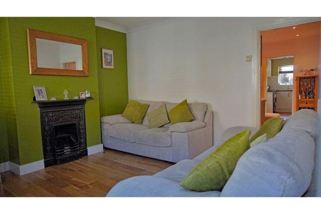 Living Room of Fearnley Street, Watford WD18
