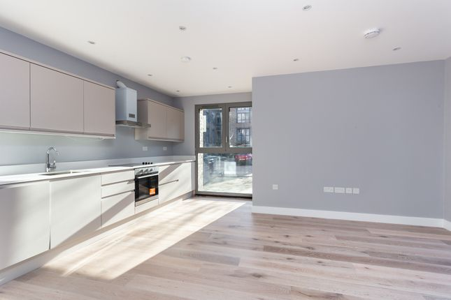Thumbnail Flat for sale in Corbetts Lane, London
