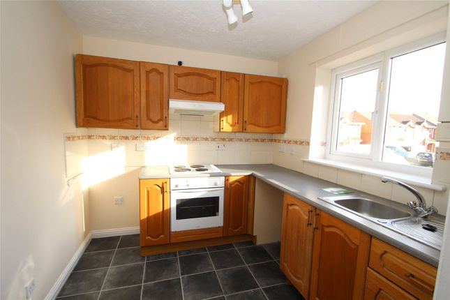 Thumbnail Shared accommodation to rent in Rill Court, Hemsworth, Pontefract