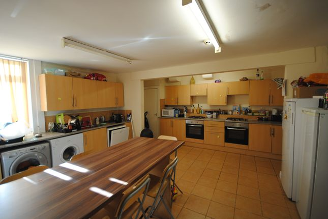Thumbnail Terraced house to rent in 6 Manor Terrace, Hyde Park