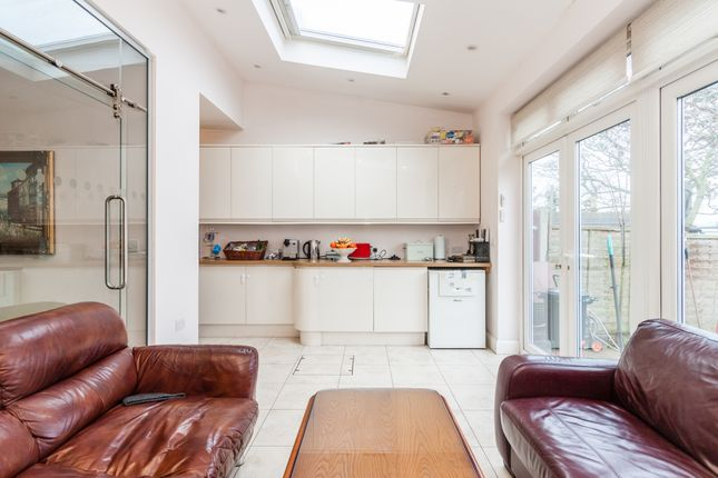 Thumbnail Terraced house for sale in Brunswick Rd, Ealing, London