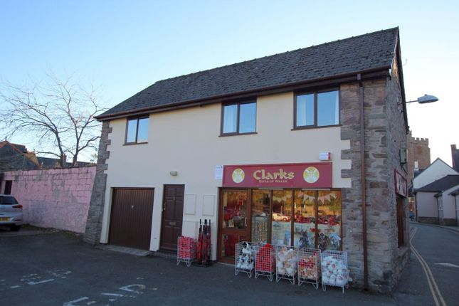 1 bed flat to rent in Lion Yard, Brecon LD3