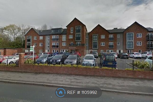 2 bed flat to rent in Monton Road, Manchester M30