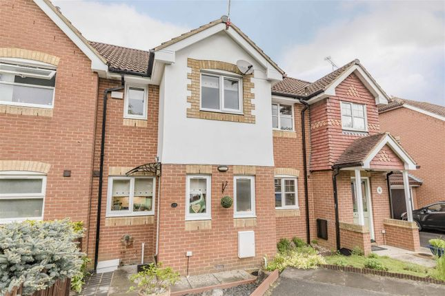 Thumbnail Property for sale in Francis Gardens, Warfield, Bracknell